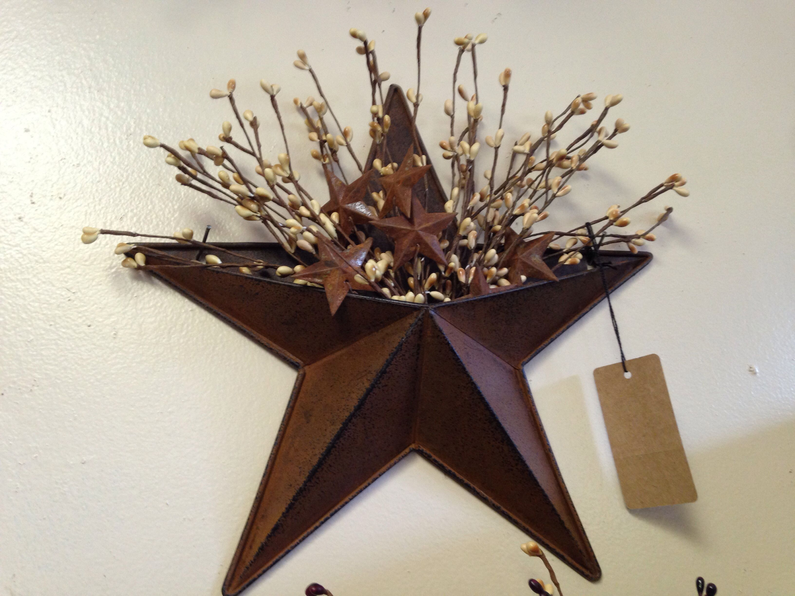 Rusty star with berries-Primitives and Things on Facebook
