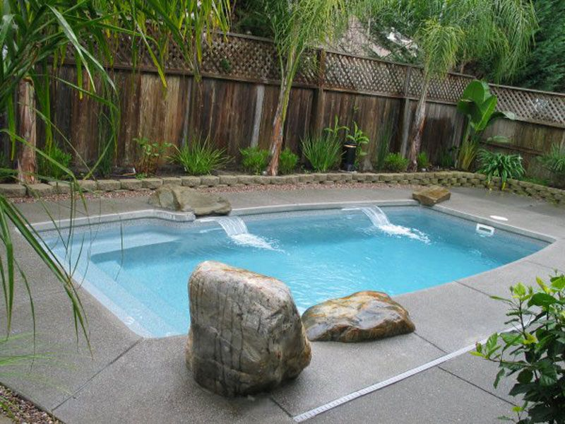 Aquamarine Pools Spools Or Cocktail Pools For Austin Beaumont Corpus Christi Dallas Houst Small Swimming Pools Backyard Pool Landscaping Pool Landscaping