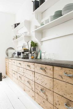k che mit fronten aus holz k che kitchen pinterest holz k che und die k che. Black Bedroom Furniture Sets. Home Design Ideas