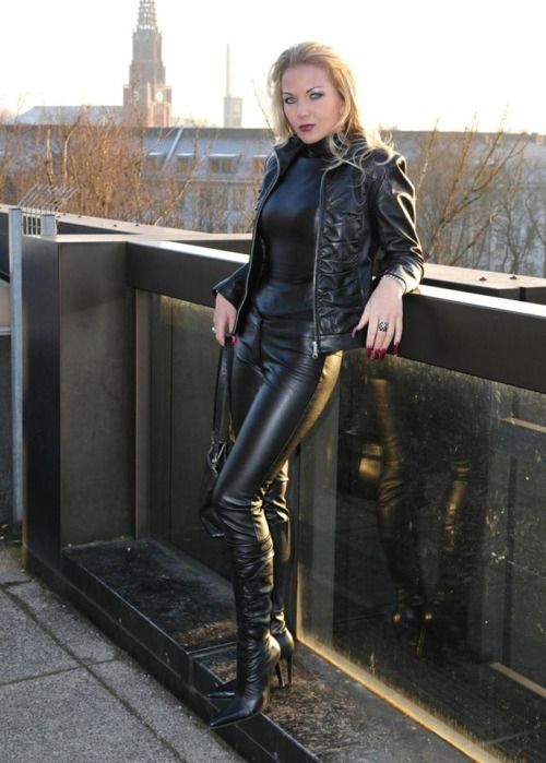 Heike http://heelsandbabes.tumblr.com/post/113074851684
