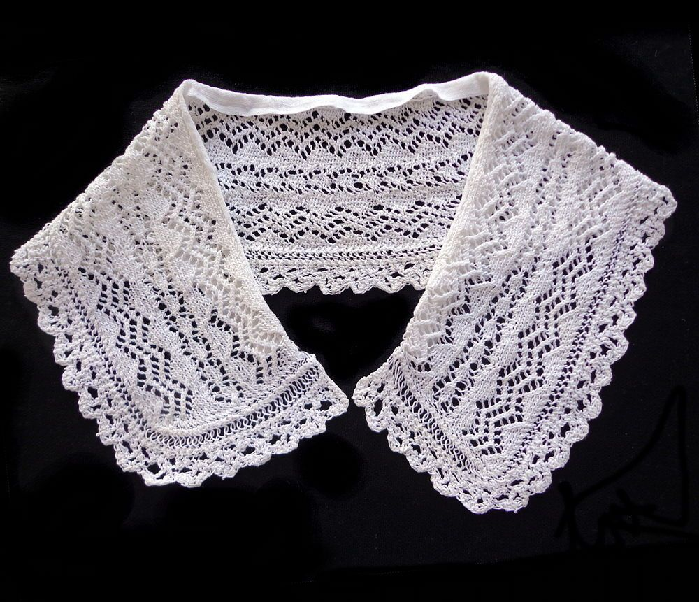 Antique Handmade Knitted Lace Collar (#2) Adorable!