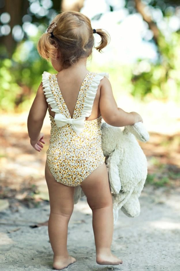 How cute is this suit! Annabelle is going to such a stylish baby.