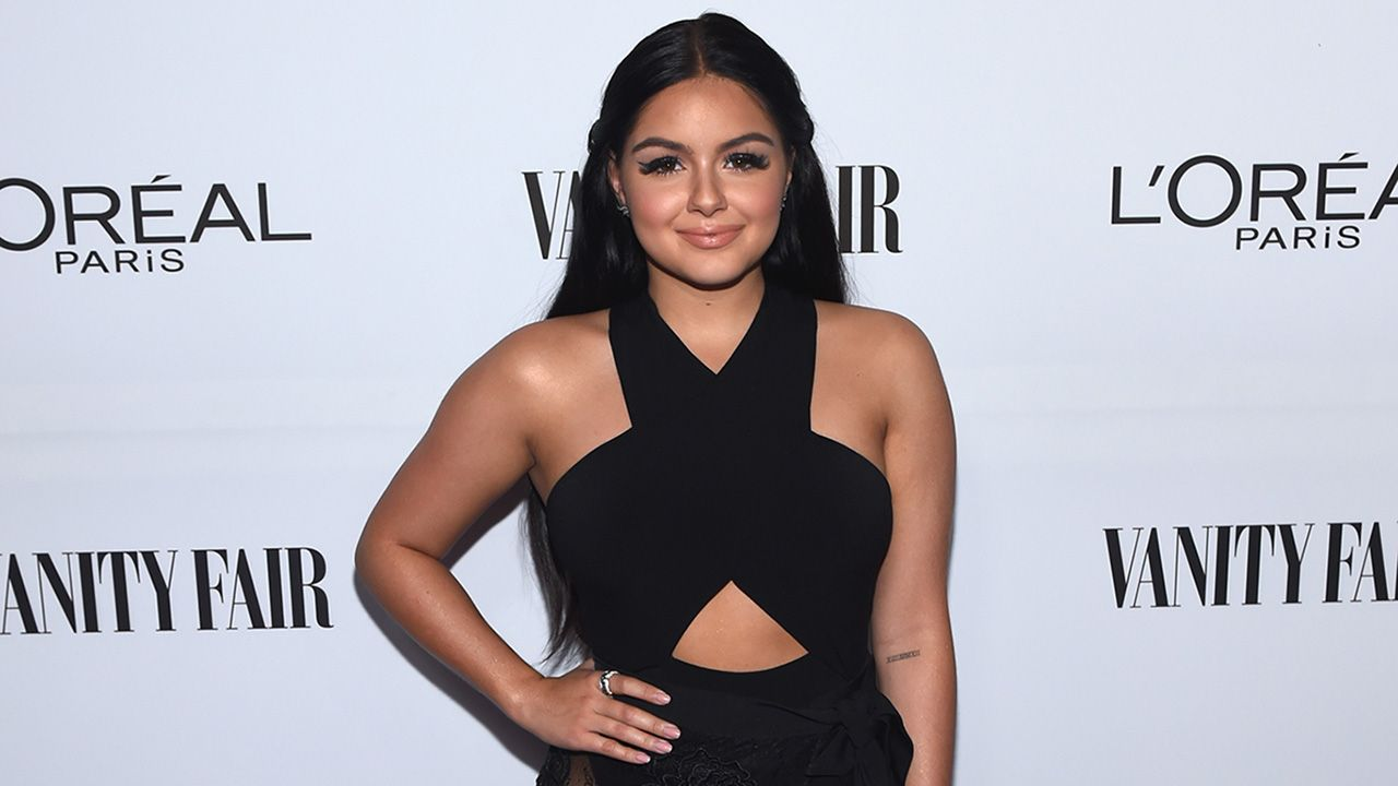 Ariel Winter Shows Off Her Stems in Sexy Halter Ensemble: Pics