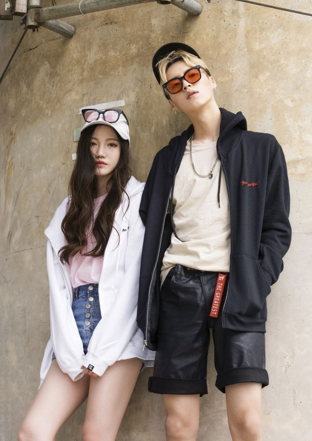 50ac6fe8f2c1ed Korean Couple Fashion. Find this Pin and more on STYLE ...