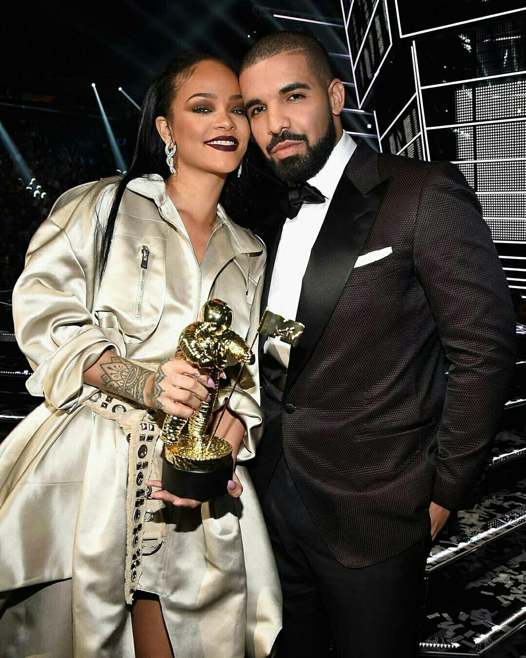 Pin by DWAYNE on Celebrities Rihanna and drake, Cute