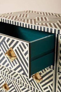 Optical Inlay Nine-Drawer Dresser