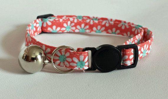 Cat Collar  Handmade  Daisy fabric design by ItsAlicesImagination