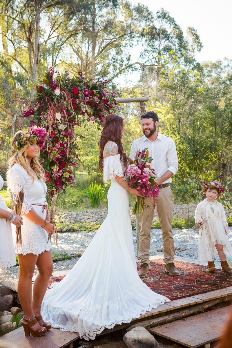 Funky wedding mariage tipis hippie boheme 16 bodas for Hippie dresses for weddings