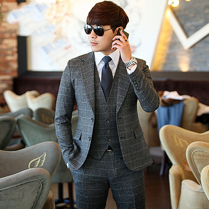 Мужской костюм тройка (67 фото)  классический и приталенный, серый, синий и 0153217a07b
