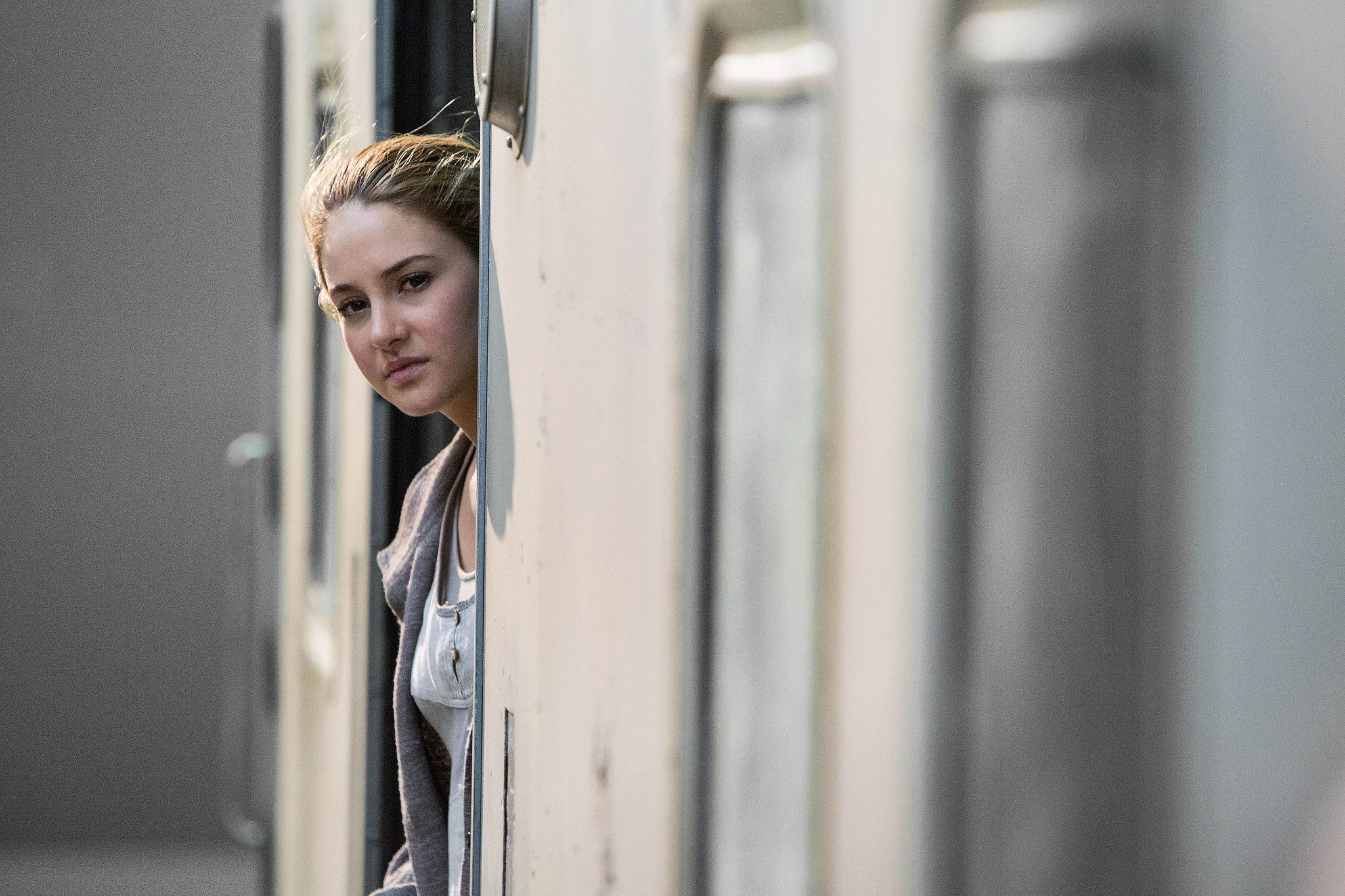 These Pictures Will Make You Want to See Divergent ...