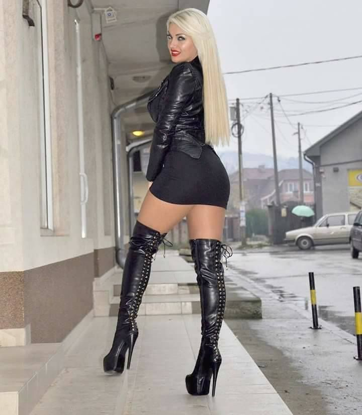 small-slut-in-thigh-high-boots-early-pregnant-women