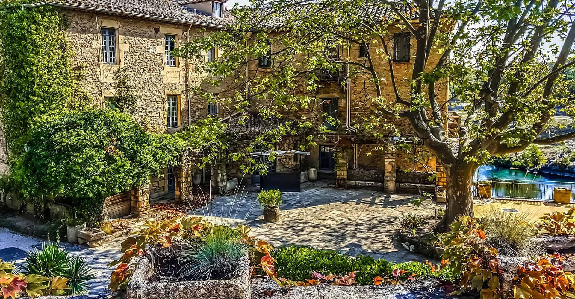 5 Garden Design Ideas To Match Your Lifestyle ... on Small Mediterranean Patio Ideas id=18208