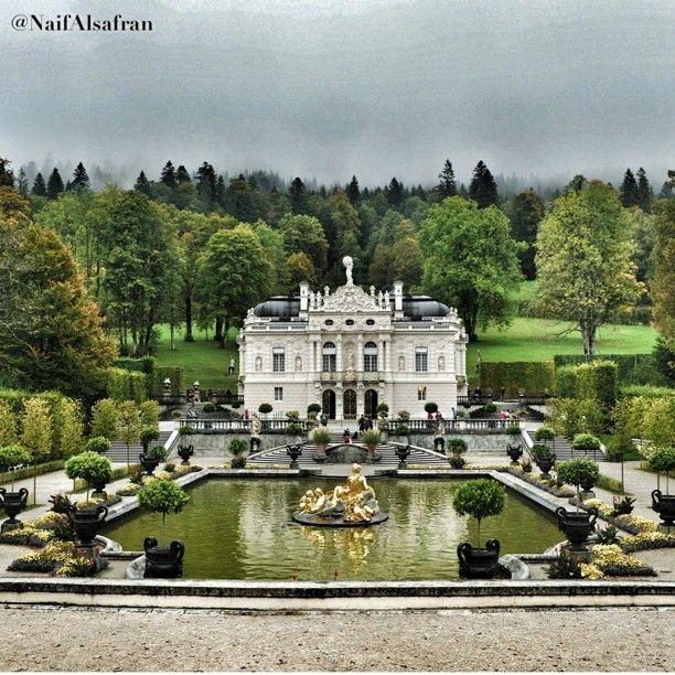 Oberannaergau Schloss Linderhof Und Venusgrotte Linderhof Palace Vacation Spots Places To Travel Favorite Places