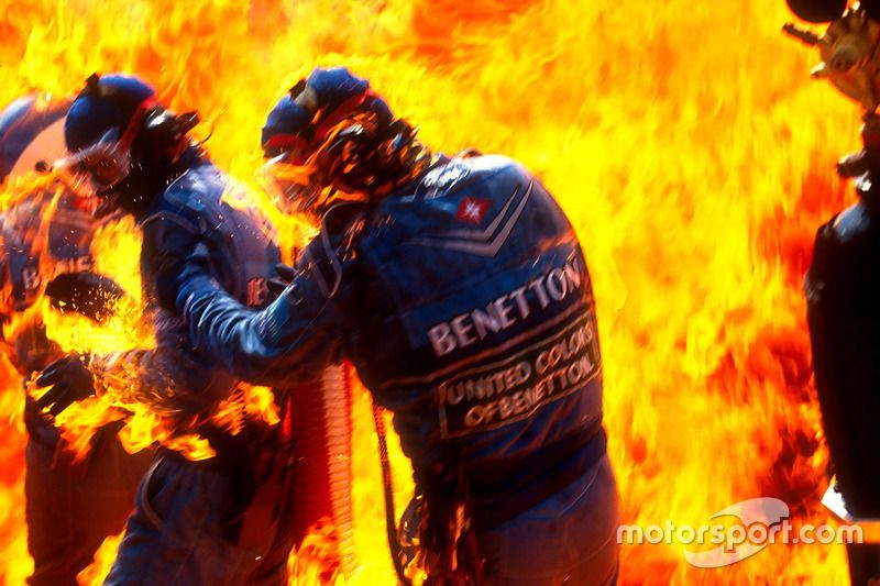 Fire during pit stop of jos verstappen b194 ford