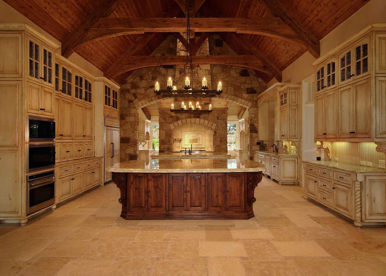 OH. WOW. i have never seen so much cabinet space!!! (look all the way to the windows) Homes Luxury Home Gallery