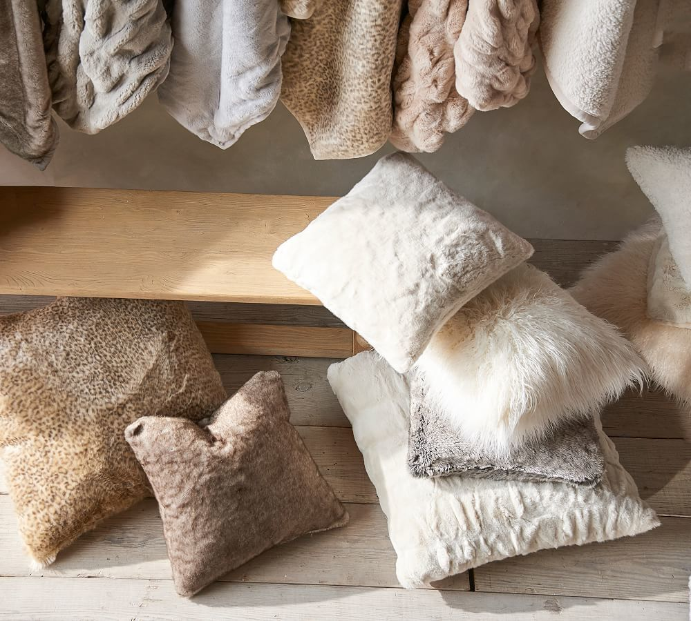 غطاء وسادة بتصميم طيات من الفرو Faux Fur Pillow Pillows Pillow Covers