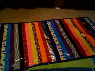 Duct Tape Rug Get An Old Towel Or Rug And Layer With The Duct Tape Colors Of Your Choice Duct Tape Crafts Duck Tape Crafts Duct Tape