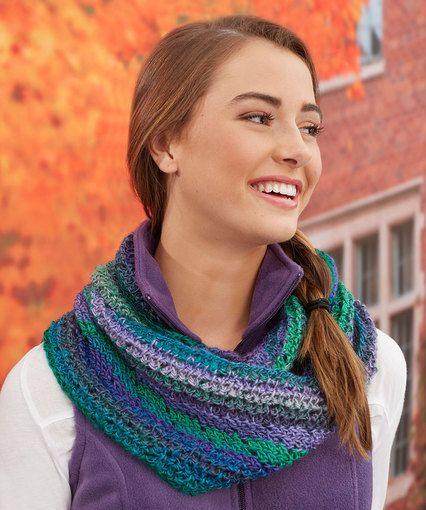 Mias Herringbone Chevron Cowl Free Crochet Pattern By Katy