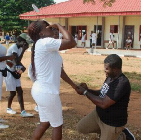 MAN PROPOSES TO HIS GIRLFRIEND AT NYSC CAMP - xpoinfo
