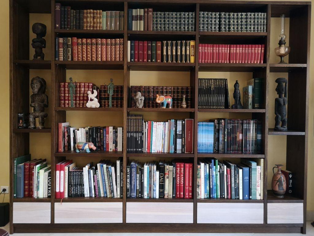 Bibliothèque en chêne fumé sur mesure bibliotheque