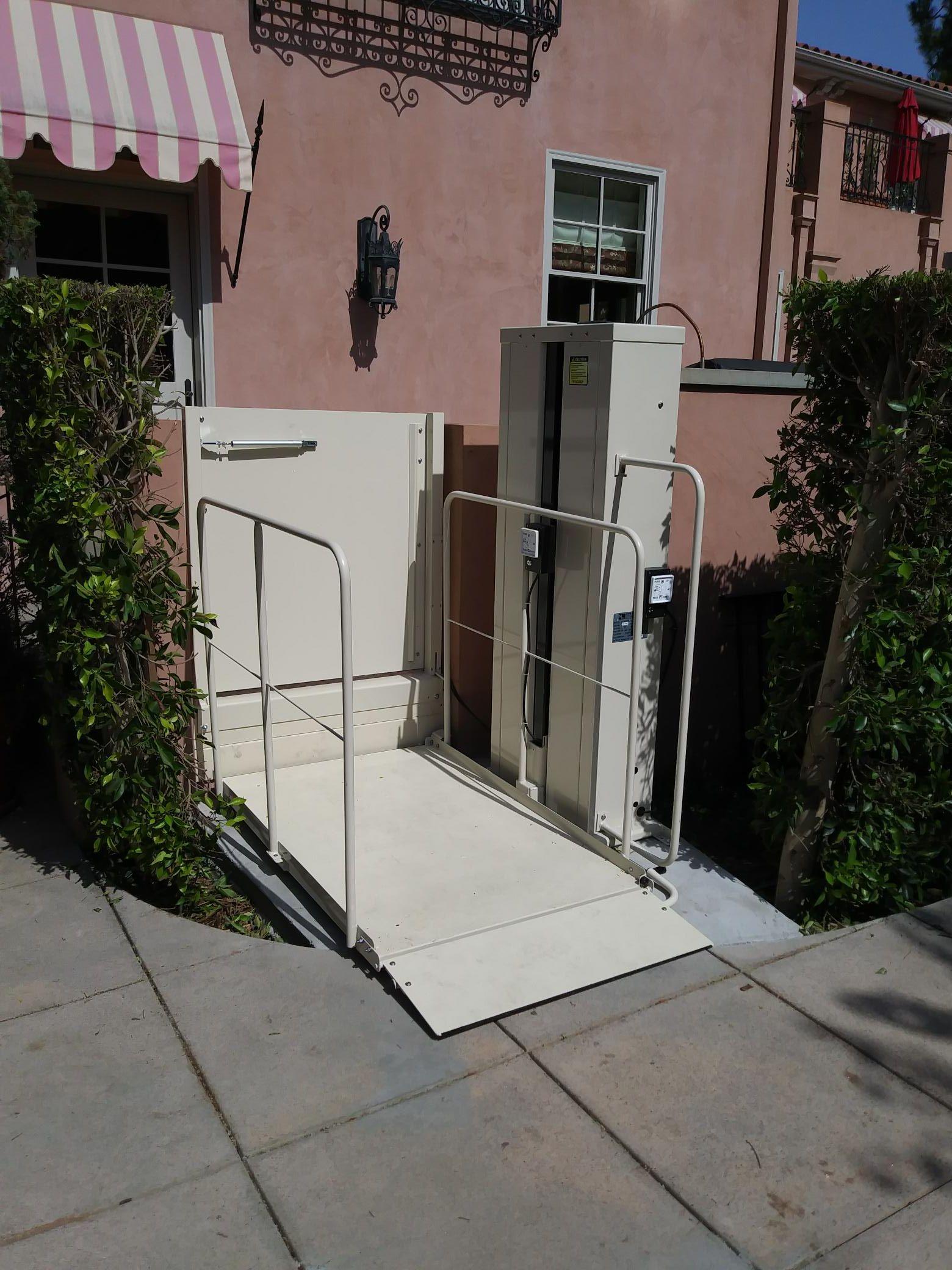 Macs vertical home lift pl50 pl72 pl90 vpl