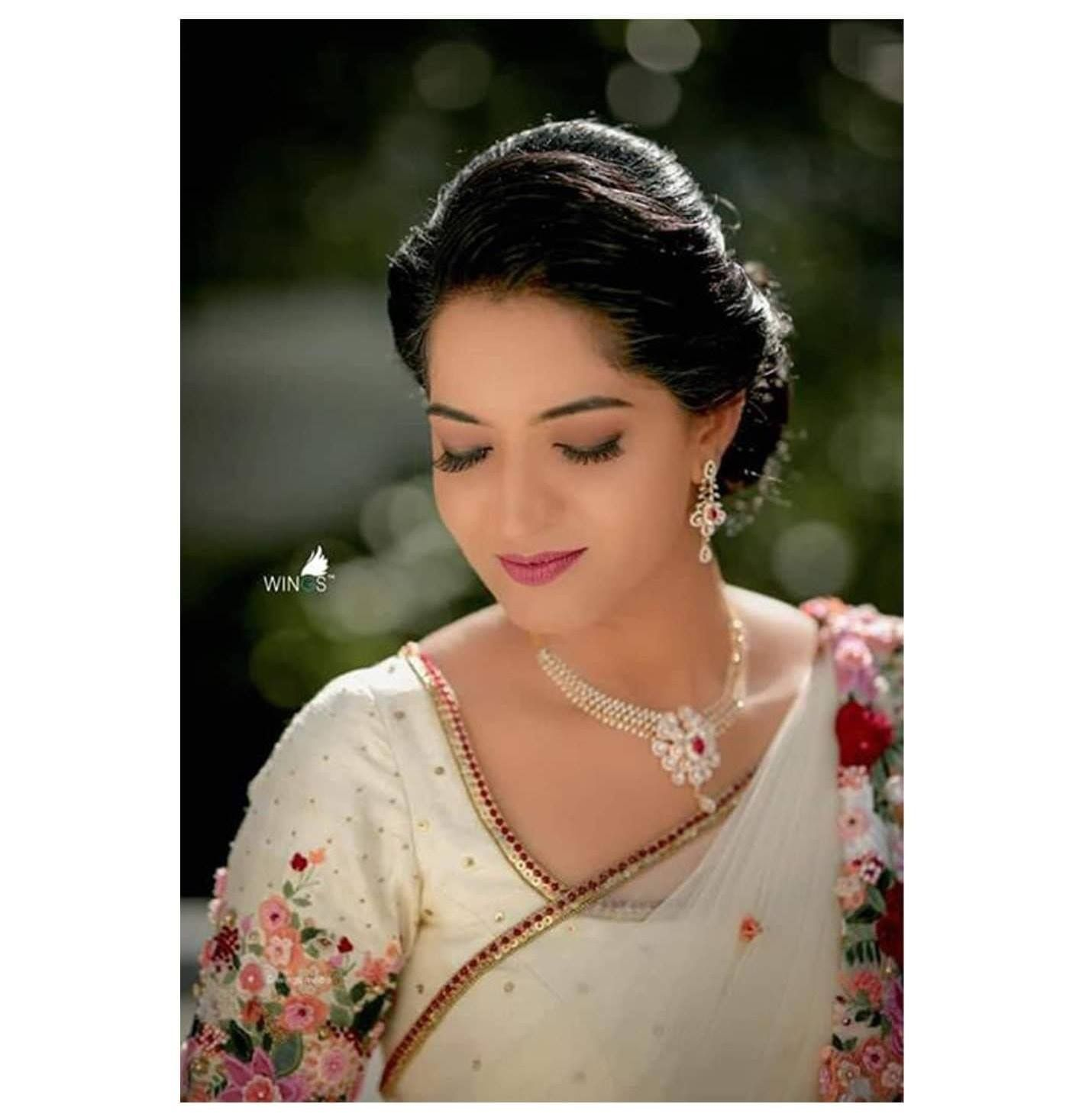 Hairstyles With Flowers Kerala: Pin By Maple The Boutique On Hand Embroidered Saree