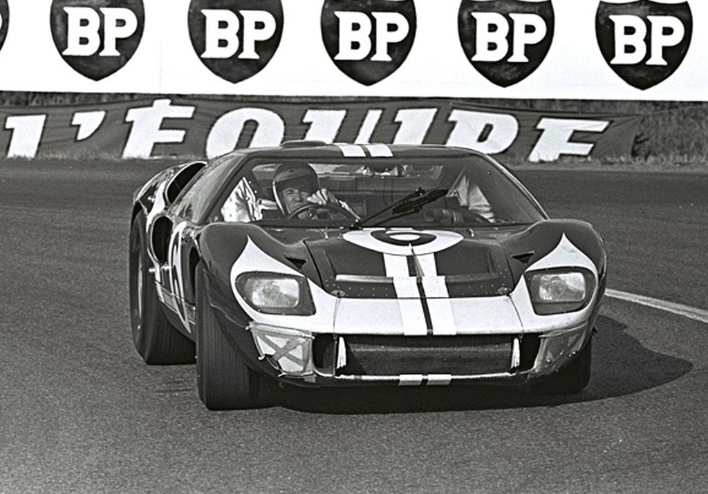 Mario Andretti At The 1966 24 Hours Of Le Mans フォードgt40