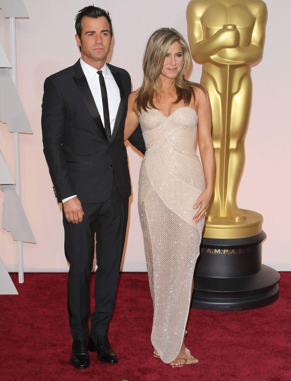 Jennifer Aniston in Versace at the Oscars Jennifer