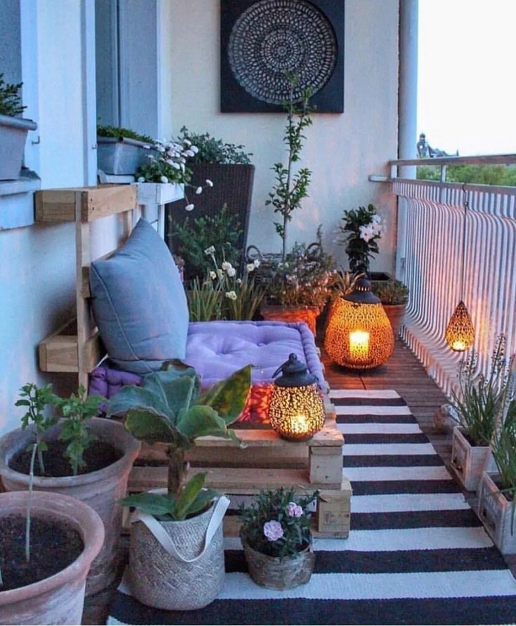 30 Beautiful Apartment Balcony Decorating Ideas Would You Not Fancy A Crisply Decorated Balcony That In 2020 Apartment Balcony Decorating Beautiful Apartments Decor