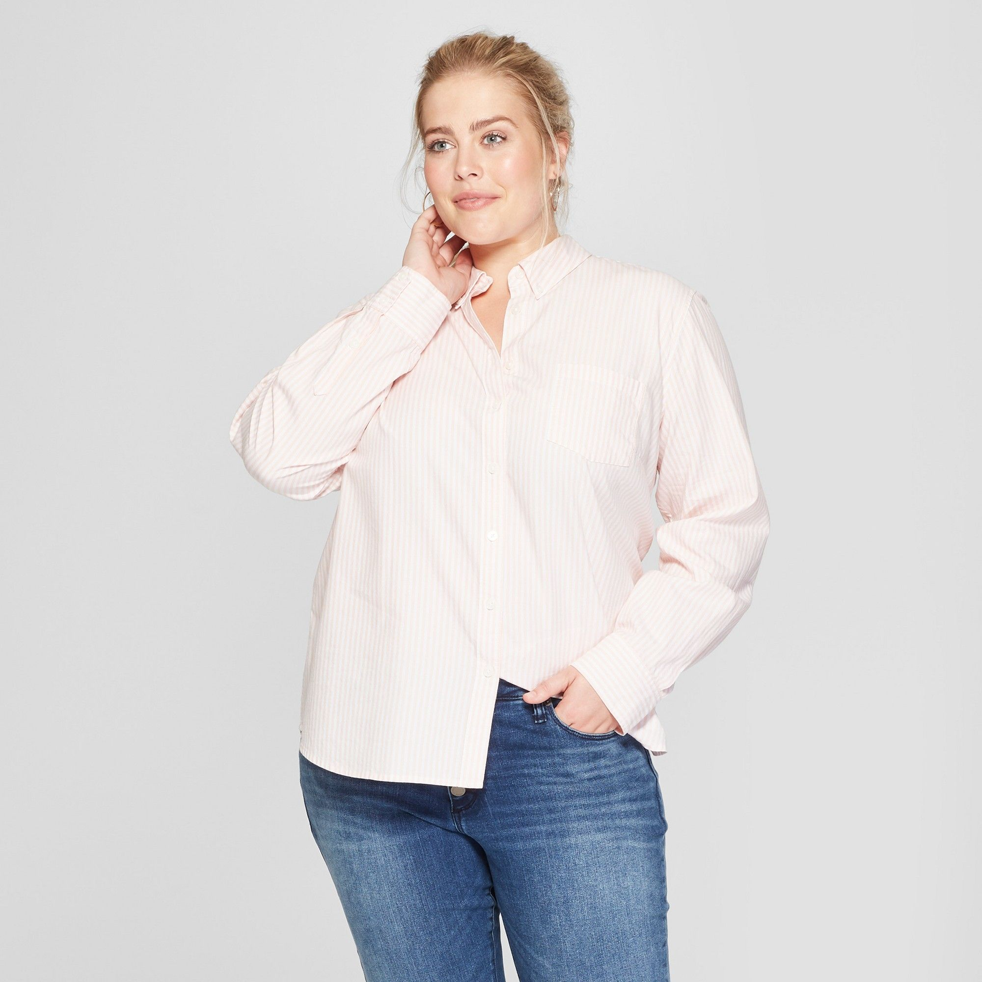 Women's Plus Size Jean Jacket Universal Thread</p>                     </div> 		  <!--bof Product URL --> 										<!--eof Product URL --> 					<!--bof Quantity Discounts table --> 											<!--eof Quantity Discounts table --> 				</div> 				                       			</dd> 						<dt class=