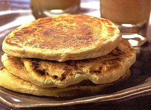 Ingredientes   1 xícara de leite integral 1/2 xícara de manteiga 1 kg de farinha de trigo 1 colher (sopa) de fermento em pó 1 colher (chá) ...