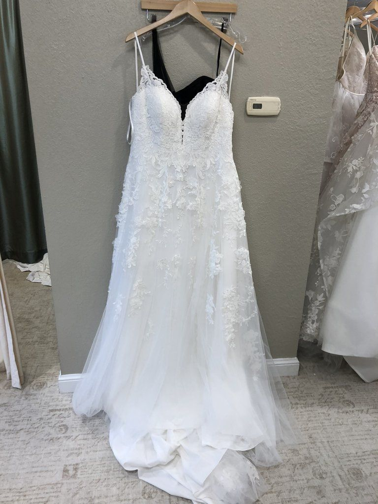 52ca4e2b48 Essence of Australia  D2453  size 20 new wedding dress - Nearly Newlywed