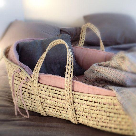 Moses Basket und Matratze von LaLangerieParis auf Etsy