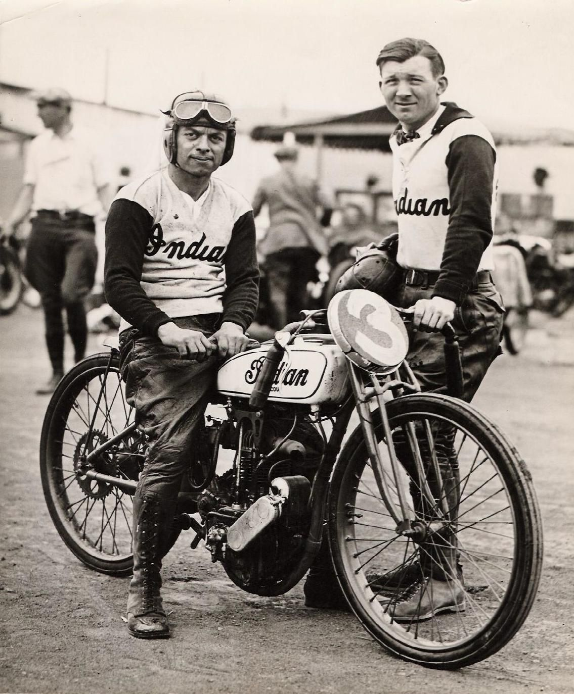 Indian Race Team With Images Indian Motorcycle Vintage Indian