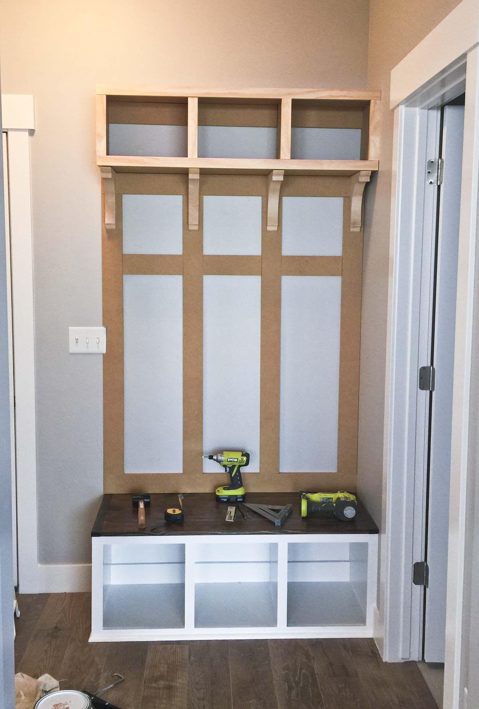 DIY Mudroom Bench Part 2 | Recibidor, Organizar la casa y Trabajo para
