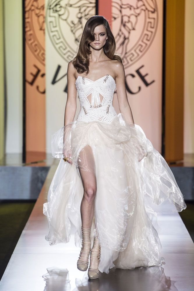 7644f591772f This would make a gorgeous wedding dress!  Ivory  Evening Dress - Atelier  Versace Autumn Winter 2012