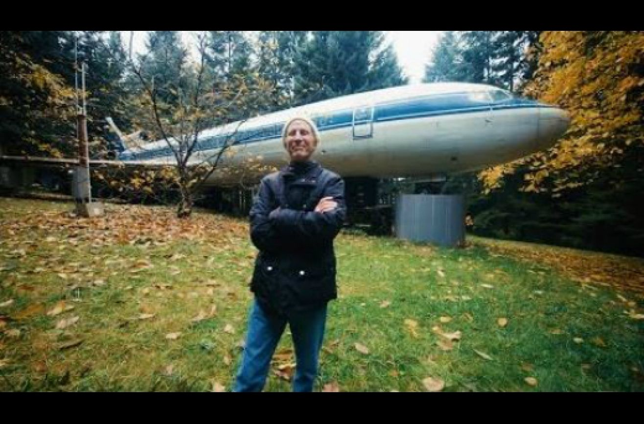 Portland Man Lives In Abandoned Airplane