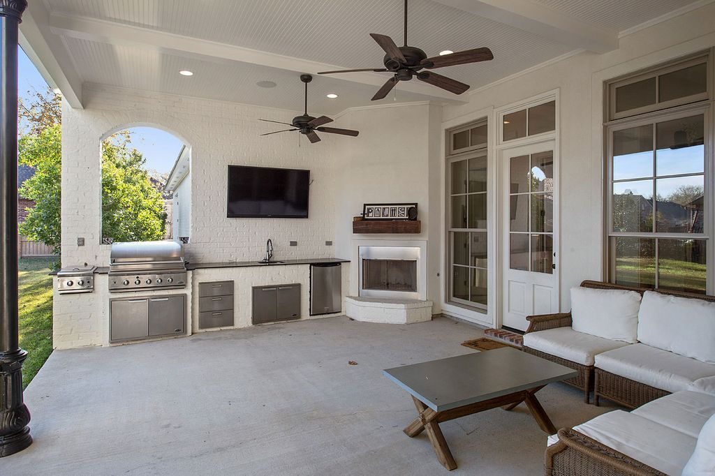 Recently Sold 1 105 000 Rare Find New Construction In Ccl Tyler Watson And Anne Mccanless H Outdoor Appliances Outdoor Kitchen Outdoor Kitchen Appliances