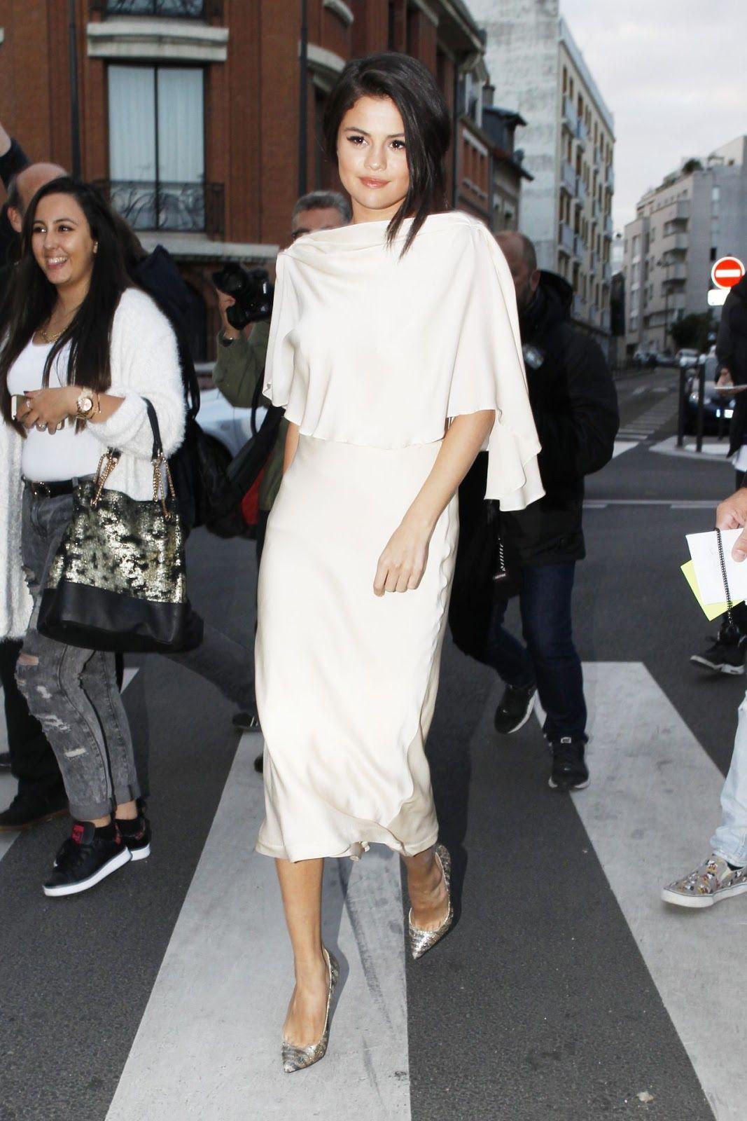 celebstills: Selena Gomez v bielych šatách - Odchod nahrávacie štúdio v Paríži, september 2015