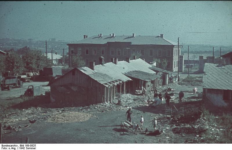 Civilians in Stalingrad, Russia, 21 Jun 1942