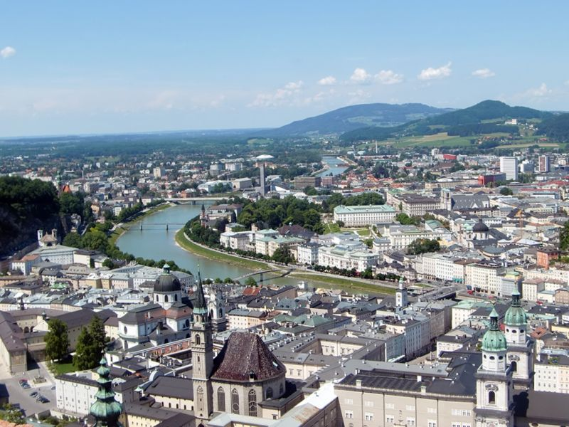 Salzburg-Salzach-Blick vom Moenchsberg