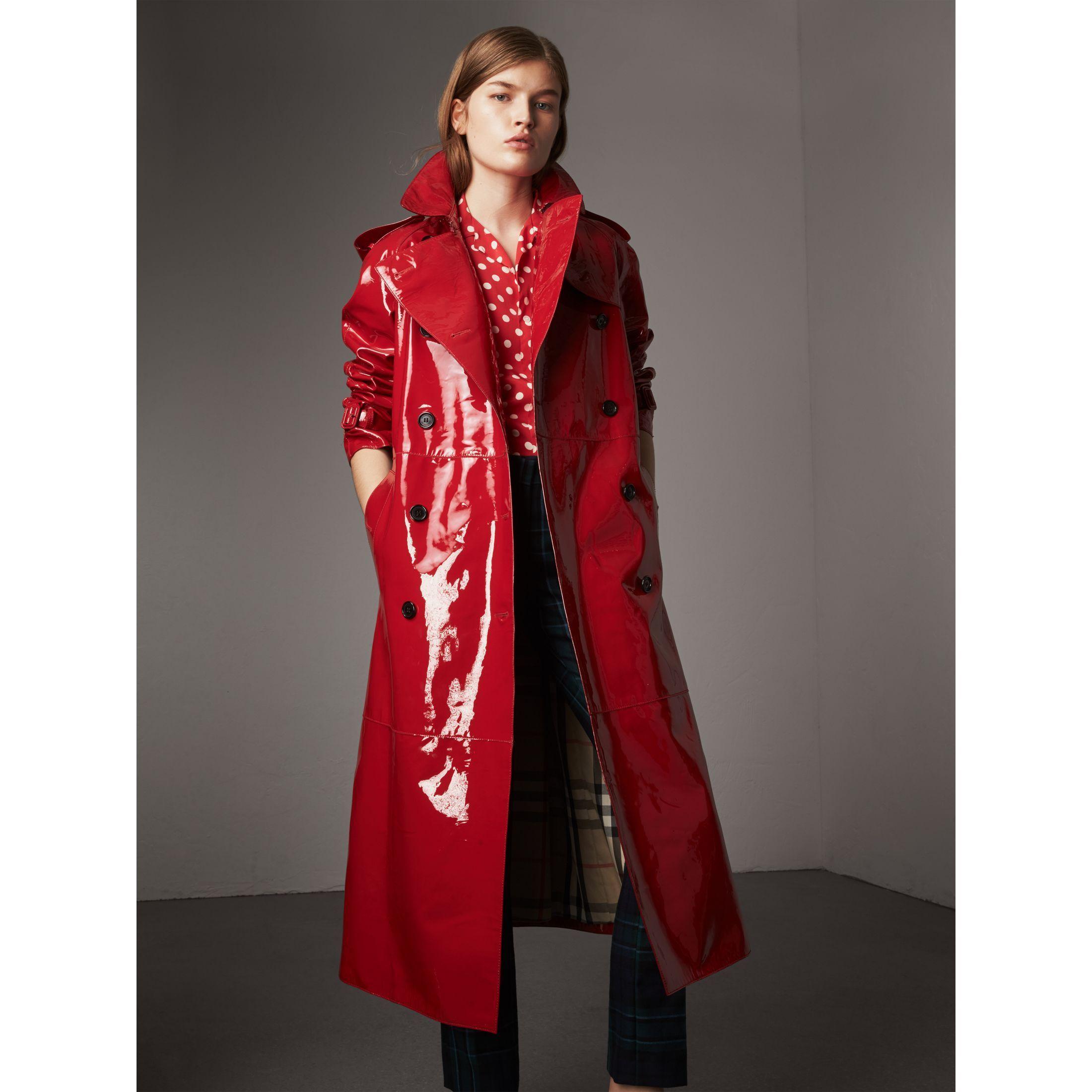 Trench Coats for Women   Burberry®   Pinterest   Regenmantel, Pvc ... aae90f695a