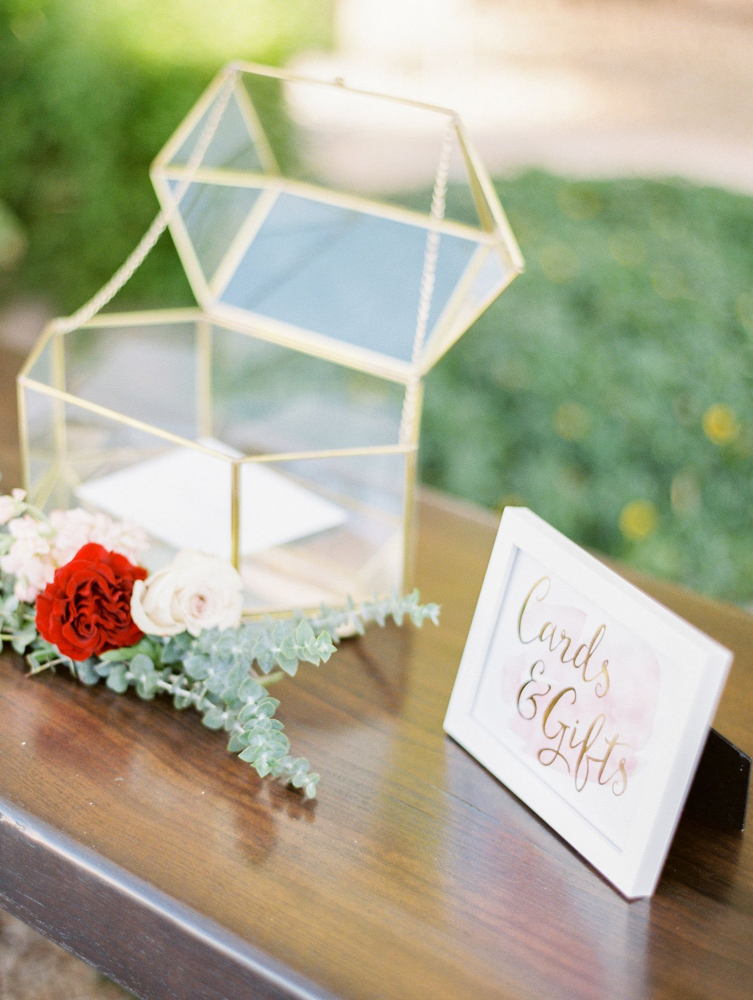 21 Ways To Set Up A Card Or Gift Table At Your Wedding Sanctuary