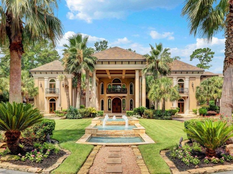 Newly renovated texas mansion perfect for organizing for Beautiful homes in houston