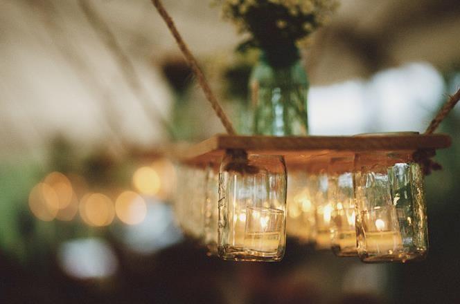 Planke, lag hull, sku inn glassene fra undersiden og bruk kun metallokket. Ha i pynt eller stearinlys
