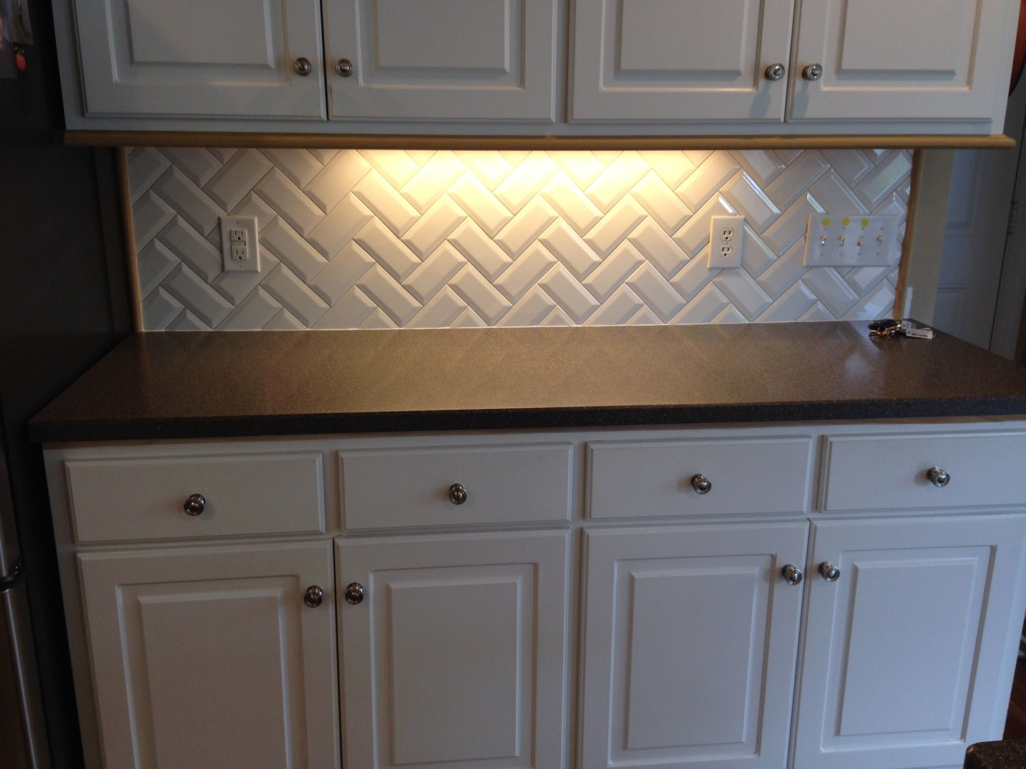 "beveled subway tile design | Primus White 3x6"" beveled subway tile in herringbone ..."