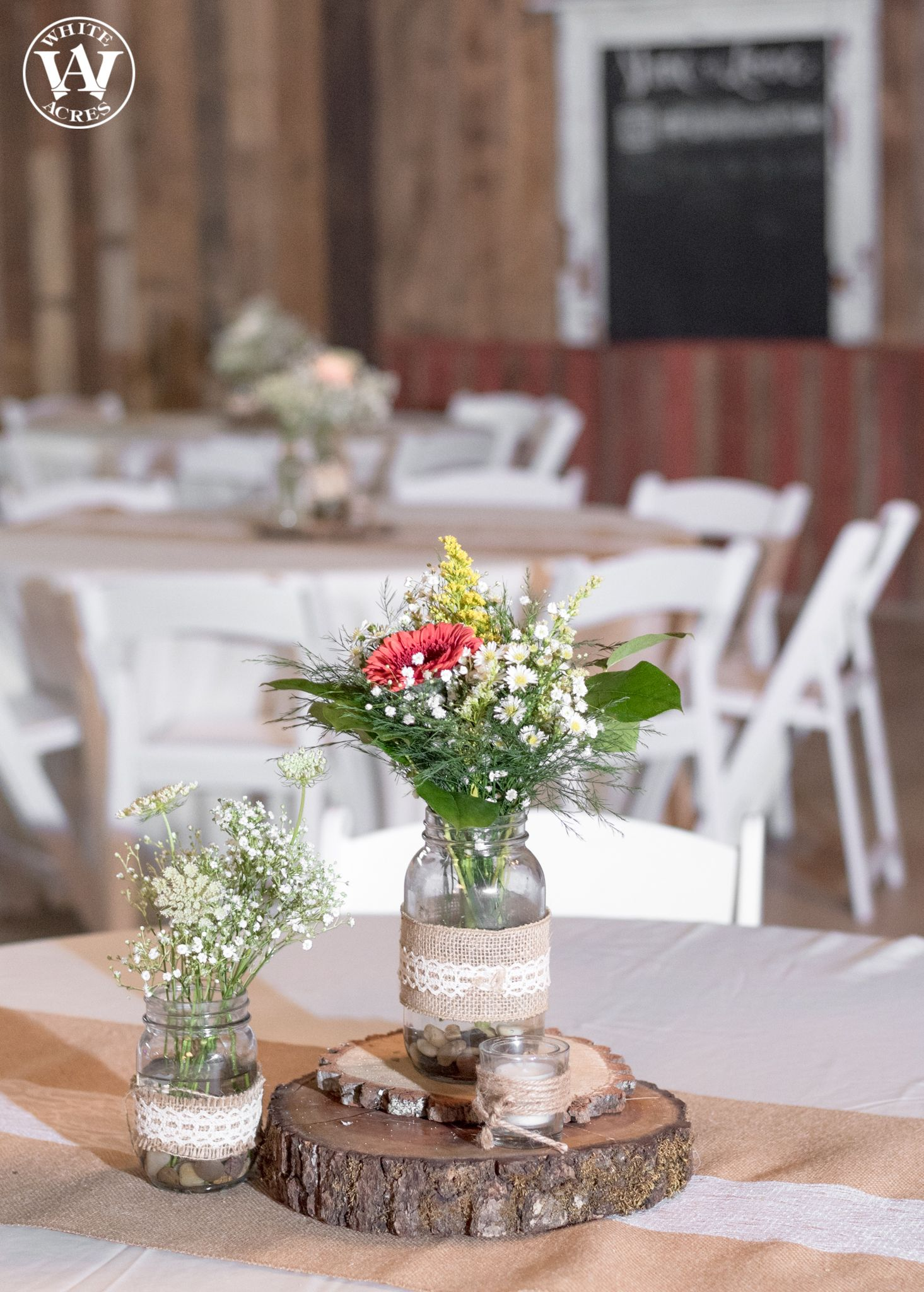 Wedding ceremony barn, wedding décor, summer wedding, wedding reception. Rustic barn wedding and reception venue in Alabama whiteacresfarms.com