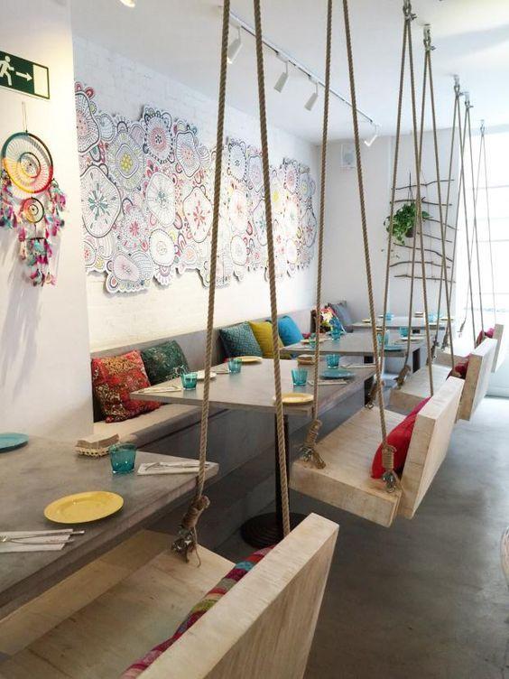 Boho bar comer entre rboles y columpios en el madrile o barrio de justicia mobiliario - La boutique de la silla madrid ...