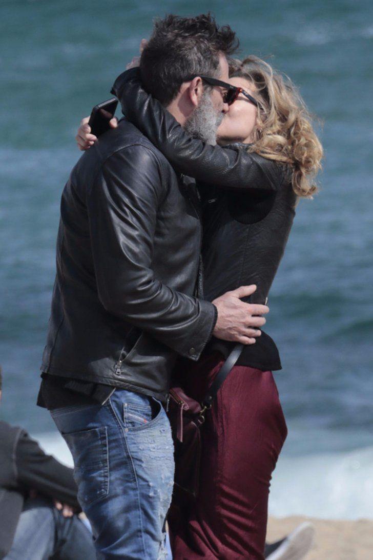 Jeffrey Dean Morgan and Hilarie Burton Share a Steamy Kiss ...