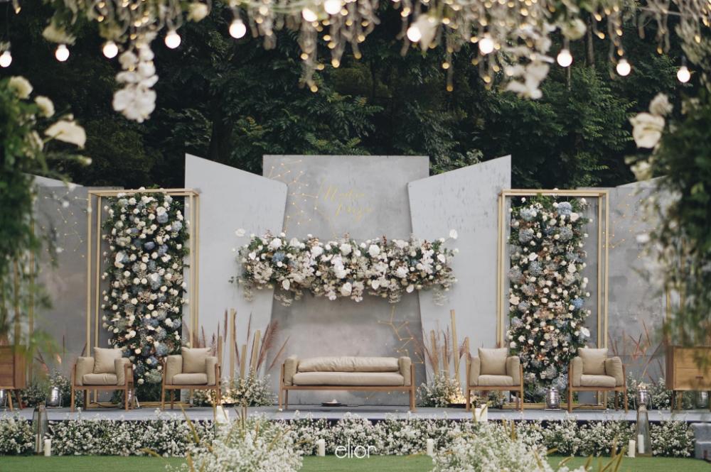 17 Modern Wedding Stage Design And Decor Inspirations You Ll Tempat Pernikahan Tema Pernikahan Dekorasi Pernikahan